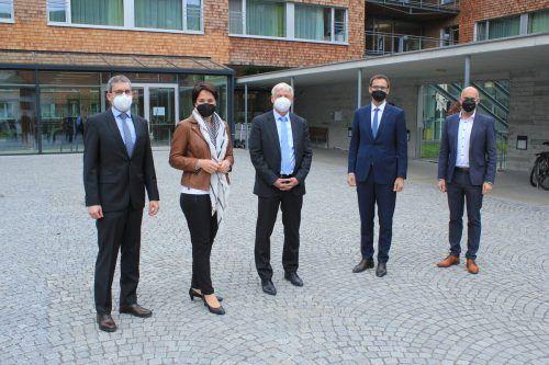 Die offizielle Eröffnung der Reha-Klinik-Erweiterung in Schruns fand nur in kleinem Rahmen statt.VN/JS