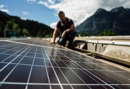 Die Branche erwartet durch das neue Erneuerbaren-Ausbaugesetz und die Ziele der Politik (PV mal drei) einen Fotovoltaik-Boom. BLudenz