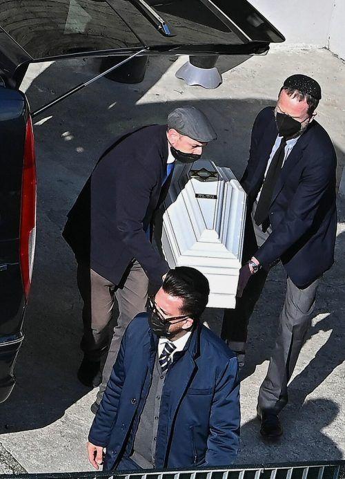 Die Särge der israelischen Opfer wurden in ihr Heimatland gebracht.