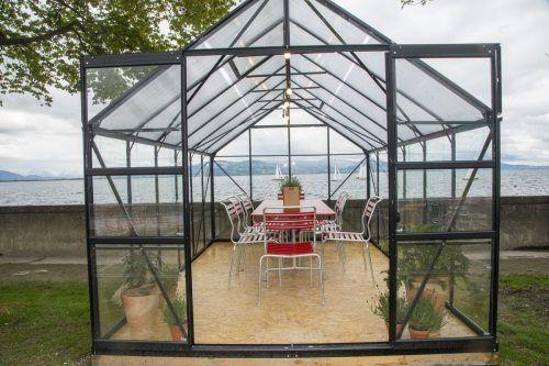 Die sechs Glashäuser dienen als Indoor-Sitzbereich. VN/Paulitsch