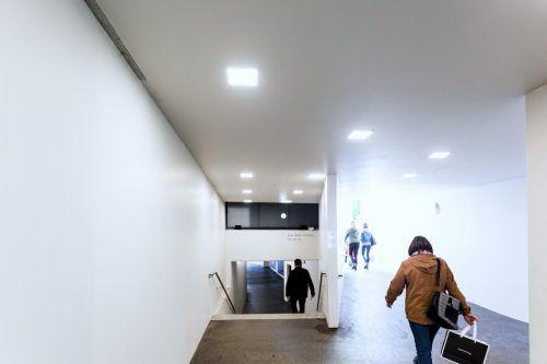 Die Vorarlberger Schriftstellerin Sarah Rinderer hat für die James-Joyce-Passage in Feldkirch eine Installation mit Audio-Effekten geschaffen. frauke kühn