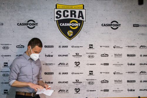Ein abgeschlossenes Wirtschaftsstudium, die UEFA-Pro-Lizenz als Trainer und ein weites Spektrum an Hintergrundwissen – für Werner Grabherr gab es bei der Vorstellung Vorschusslorbeeren.Steurer/3
