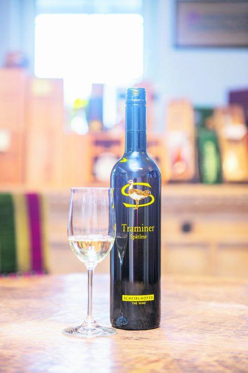 Ein wunderbarer Wein mit angenehmer Restsüße, passend zur Torte.Beate Rhomberg