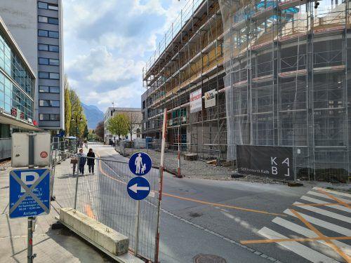 Eine Gastromeile soll in dem Gebäude gegenüber dem Stadtmarkt entstehen.lcf