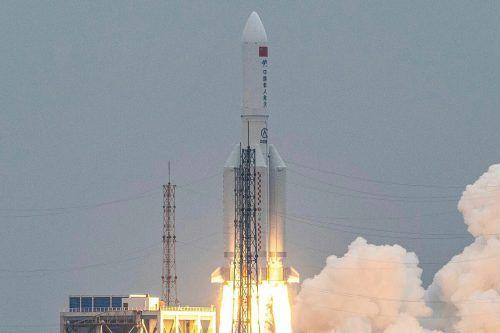 """Eine Rakete vom Typ """"Langer Marsch 5B"""" startete Ende AprilAFP"""