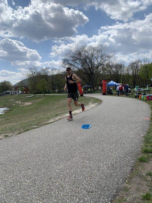 Einsam lief Wolfgang Michl zu seiner neuen Rekordzeit.VN/2