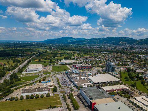 Elektroauto-Pionier Tesla will sich mit seinem Servicecenter auf dem Dornbirner Areal rund um Messe und Messepark ansiedeln.vn/Steurer