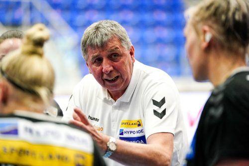 Ferenc Kovacs führt die Hypo-Damen zum nächsten Handball-Meistertitel.gepa