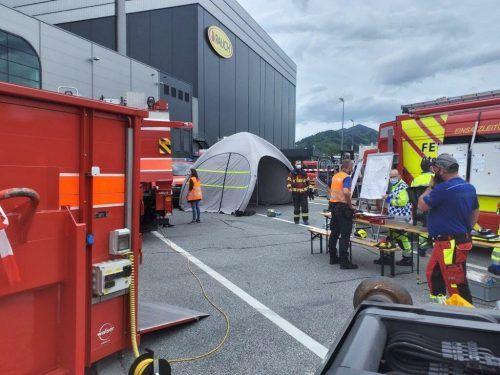 Feuerwehr, Polizei und Rettung waren mit einem Großaufgebot im Einsatz. FW Mittelrheintal