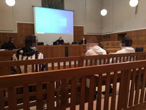 Die drei Angeklagten zeigten sich alle geständig, für ihre grausame Tat können sie aber keine schlüssige Erklärung liefern. VN/GS