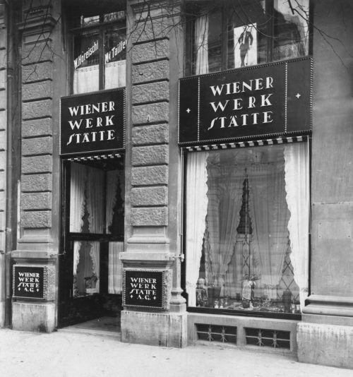 Filiale der Wiener Werkstätte in Zürich, Hodler (m.) mit Moser und Hoffmann in Wien.
