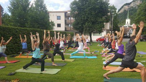 Für das Yoga am Schlossplatz braucht es keine Anmeldung.Stadt