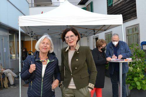 Gerda Soraperra und Verena Maier waren ebenfalls bei der Vernissage zu Gast.