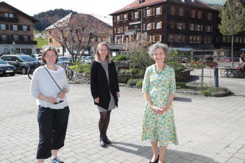 Gertrud Faißt, Alexandra Natter und Lydia Hagspiel vom Frauenmuseum.