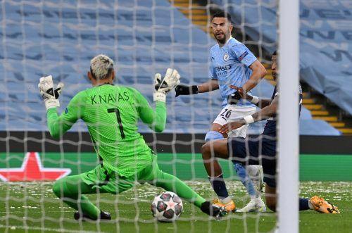 Gleich drei der vier Treffer von Manchester City in den Halbfinalspielen gegen Paris Saint- Germain gelangen Riyad Mahrez, der im Rückspiel gleich zweimal traf.afp