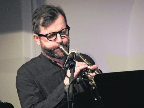 """Herbert Walser-Breuß: """"In meinem Musikzimmer befinden sich vielleicht 60 Instrumente."""" JU"""