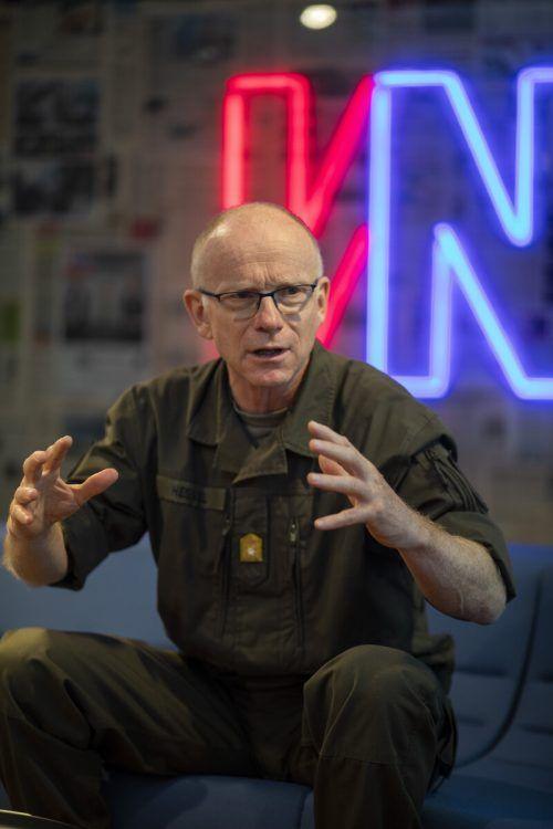 Hessel betont: Die Kernaufgabe ist die Landesverteidigung. VN/Paulitsch