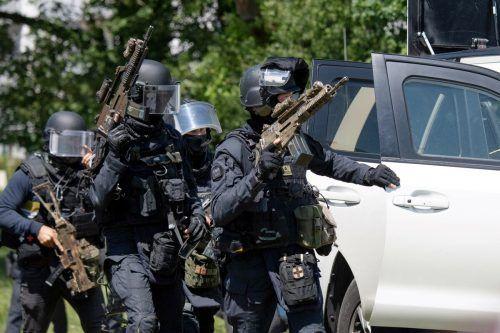 Hunderte Einsatzkräfte haben nach dem Angreifer gesucht. AFP