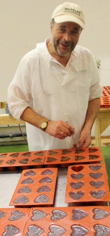 Ingo Metzler tüftelt und experimentiert wieder – diesmal mit Seife.