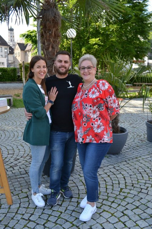 Die Gastronomen Kathi und Michael Sprenger mit Mutter Ulli Sprenger.