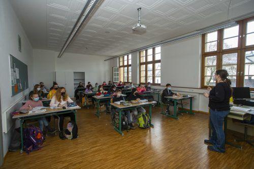 Masken sind an den Schulen verpflichtend geworden. VN/Paulitsch