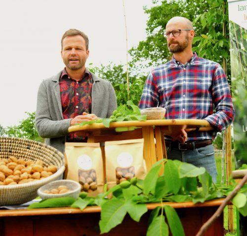 """Mathias Becvar und Patrick Domig präsentieren ihre """"LändleNüss"""". VLK/A.SERRA"""