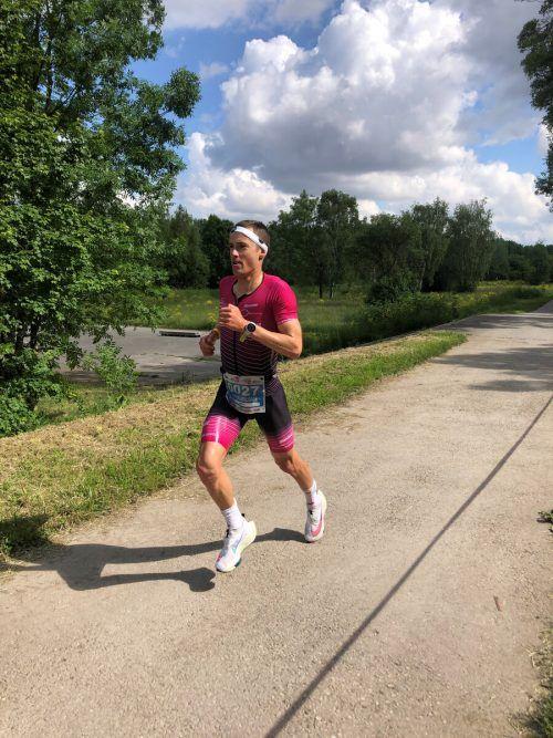 Max Hammerle auf den ersten Kilometern der Laufstrecke.VN
