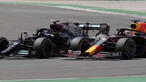 Max Verstappen (r.) kommt mit guten Erinnerungen nach Barcelona, aber Lewis Hamilton gewann den Grand Prix zuletzt vier Mal.ap