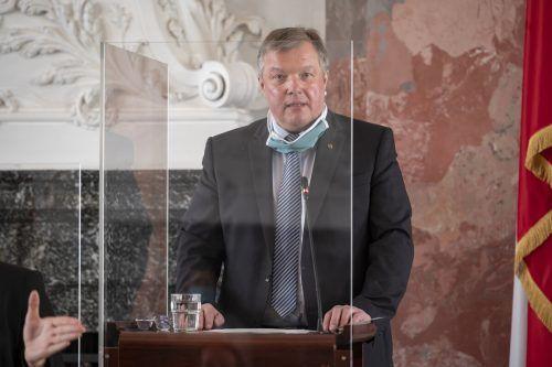 Mehr als einmal musste sich Bernhard Tilg für seinen Umgang mit der Coronakrise rechtfertigen, vor allem was die Gemeinde Ischgl betraf. apa