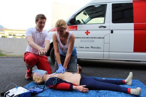 Mit den Lockerungen sind auch Erste-Hilfe-Kurse wieder möglich. RK
