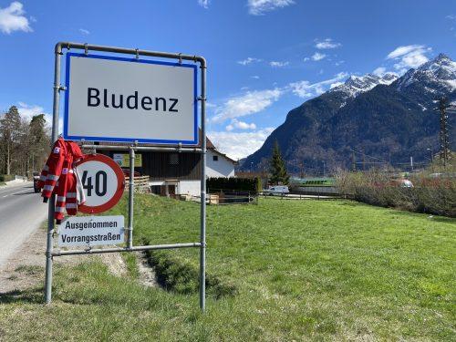 """Mit der Kampagne """"Wir haben die passende Jacke für Dich!"""" will das Rote Kreuz, Landesverband Vorarlberg, Freiwillige für den Rettungsdienst oder Krankentransport akquirieren. Raphaela Dünser"""