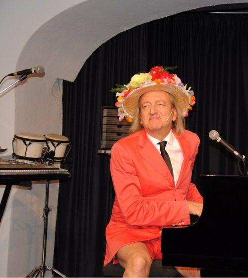 """Mit Markus Linder und """"O Solo mio"""" erfolgt im Thalsaal der Neustart.stp"""
