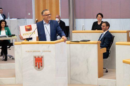 ÖVP-Klubobmann Roland Frühstück bedankte sich bei seinem Parteichef Landeshauptmann Markus Wallner für das Pandemiemanagement. Serra