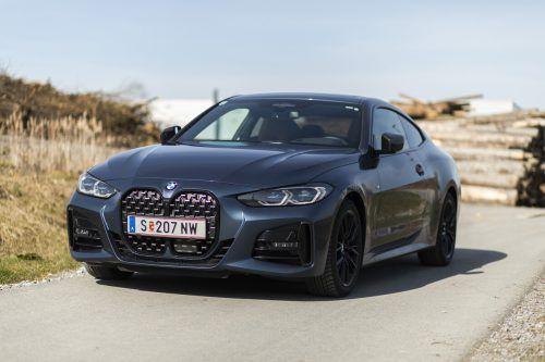Optische Attacke im Straßenverkehr: Die wuchtige Front des 4er signalisiert die Dynamik, die im BMW-Coupé steckt. vn/Paulitsch
