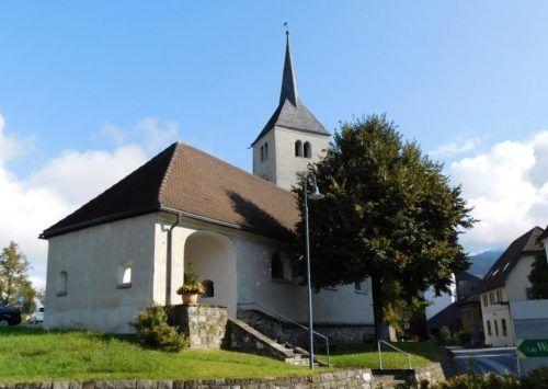 Rund um die Göfner Pfarrkirche gibt es am Pfingstwochenende für Kinder und ihre Eltern einige Glaubensschätze zu entdecken.Mäser
