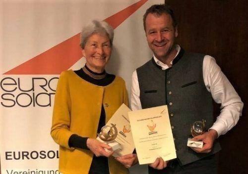 Russ-Preis-Trägerin (u.a.) Hildegard Breiner und VN-Klimaschutzpreisträger Tobias Ilg (www.biomassehof.at) erhielten beide die EUROSOLAR-Auszeichnung.
