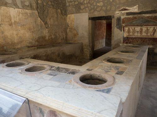 Schon die Römer nutzten Schnellimbisse.Wikipedia/Sarahhoa