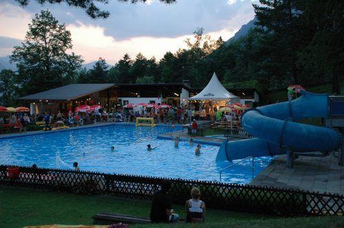 So es das Wetter zulässt, erfolgt Ende dieser Woche der Saisonstart im Brazer Schwimmbad.VN-Archiv/DOB