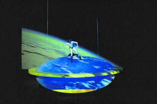 """""""Supa Hell"""" vonSophie Blomen und Max Reiniger wurde am Donnerstagabend im Theater Kosmos uraufgeführt. stark"""