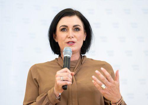 Tourismusministerin Elisabeth Köstinger mahnt zur Vorsicht. apa