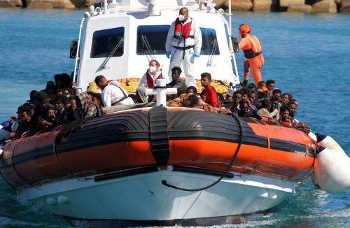 Viele Menschen erreichten binnen 24 Stunden Lampedusa. Reuters