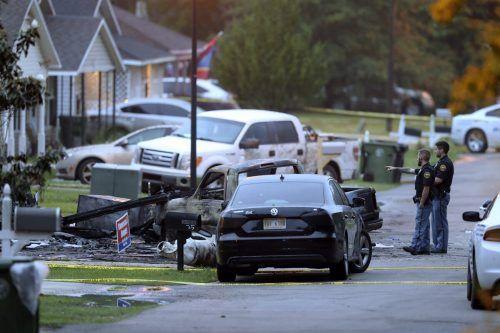 Vier Menschen kamen bei dem Unglück ums Leben. Die Absturzursache ist unklar. AP