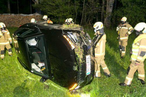 Während der Lenker beim Unfall ohne Blessuren davonkam, wurde der Beifahrer verletzt. D. Mathis