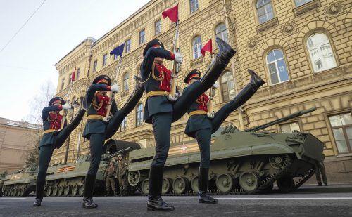 Wie in vielen Städten wurde auch in Moskau mit einer Militärparade der 76. Jahrestag des Endes des Zweiten Weltkriegs gefeiert. AP