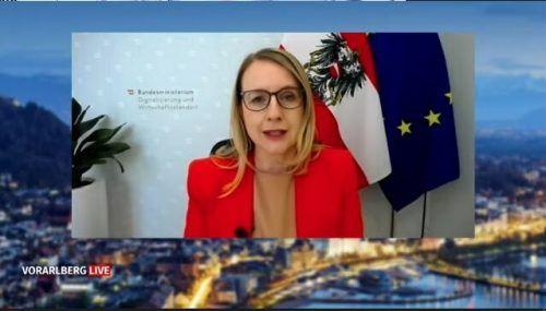 """Wirtschaftsministerin Margarete Schramböck bei """"Vorarlberg live""""."""