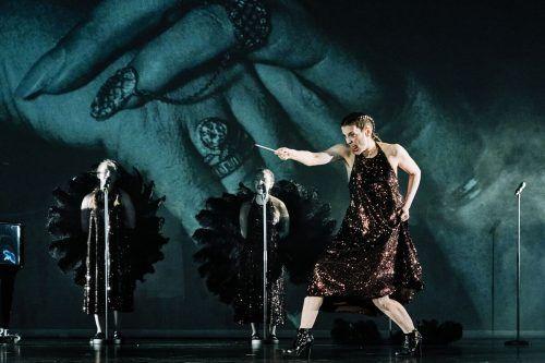 Zoe Hutmacher (r.) lebt in Berlin und New York und ist zum zweiten Mal am Landestheater zu sehen.A. Koehler