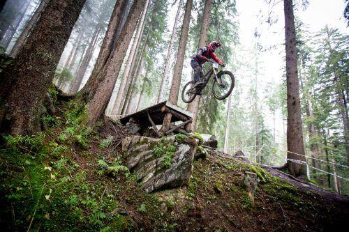 200 Fahrer starten am Wochenende beim IXS European Downhill Cup im Bikepark Brandnertal. IXS Downhill Cup
