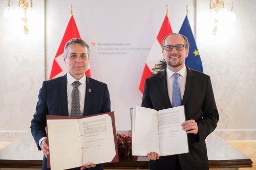 Alexander Schallenberg (r.) und Ignazio Cassis trafen sich am Freitag.BMEIA/GRUBER