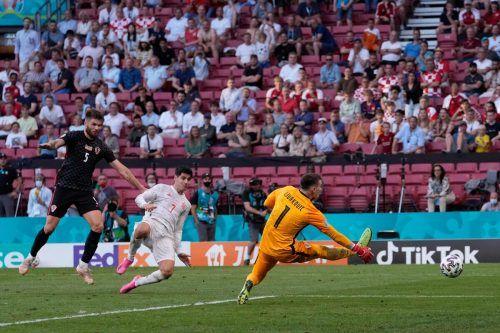 Alvaro Morata (Nummer sieben) war es, der in der Nachspielzeit die Spanier endgültig auf die Siegesstraße brachte.afp