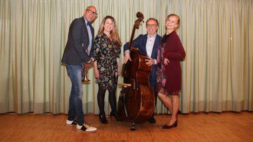 Amik Guerra, Yasmin Ritter, Rosario Bonaccorso und Renate Bauer nahmen das Publikum mit auf eine Reise. Heilmann